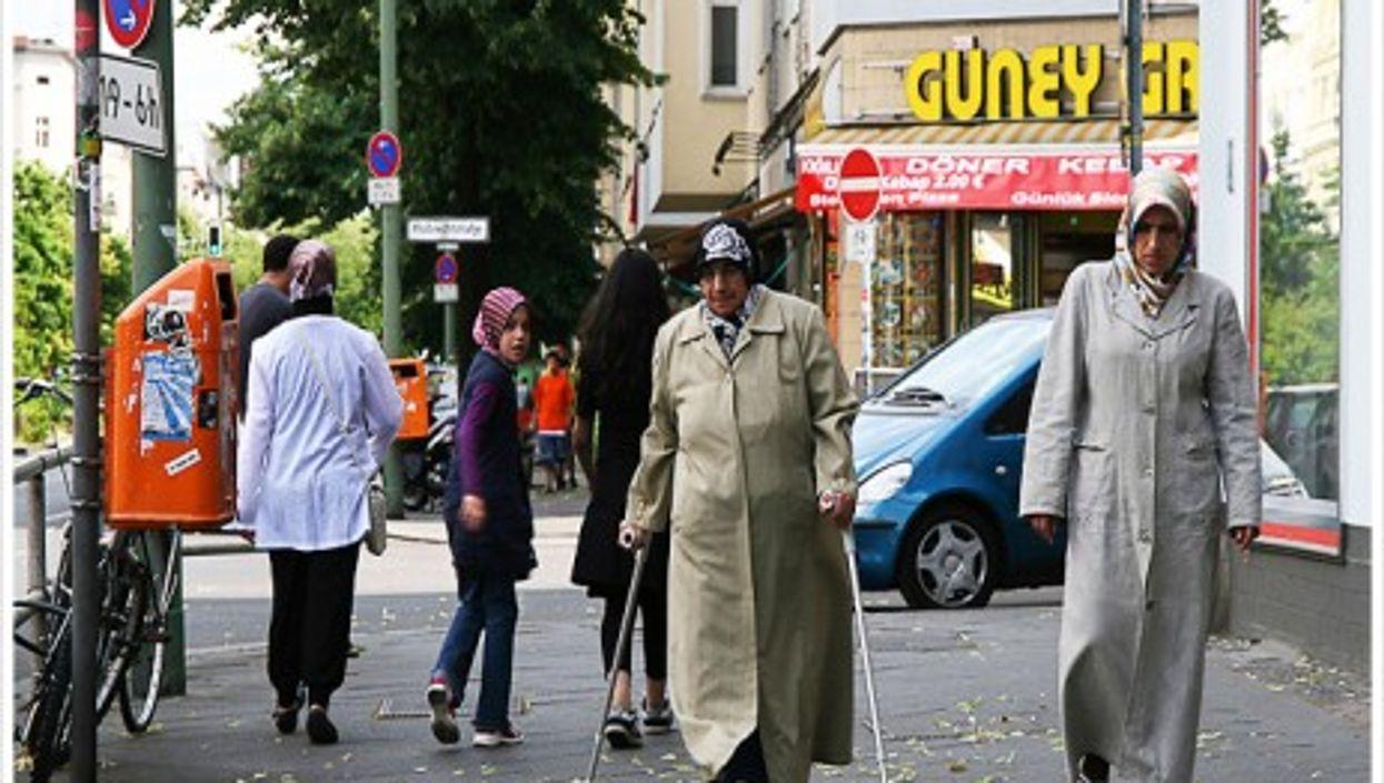 A Berlin stroll (Libertinus)