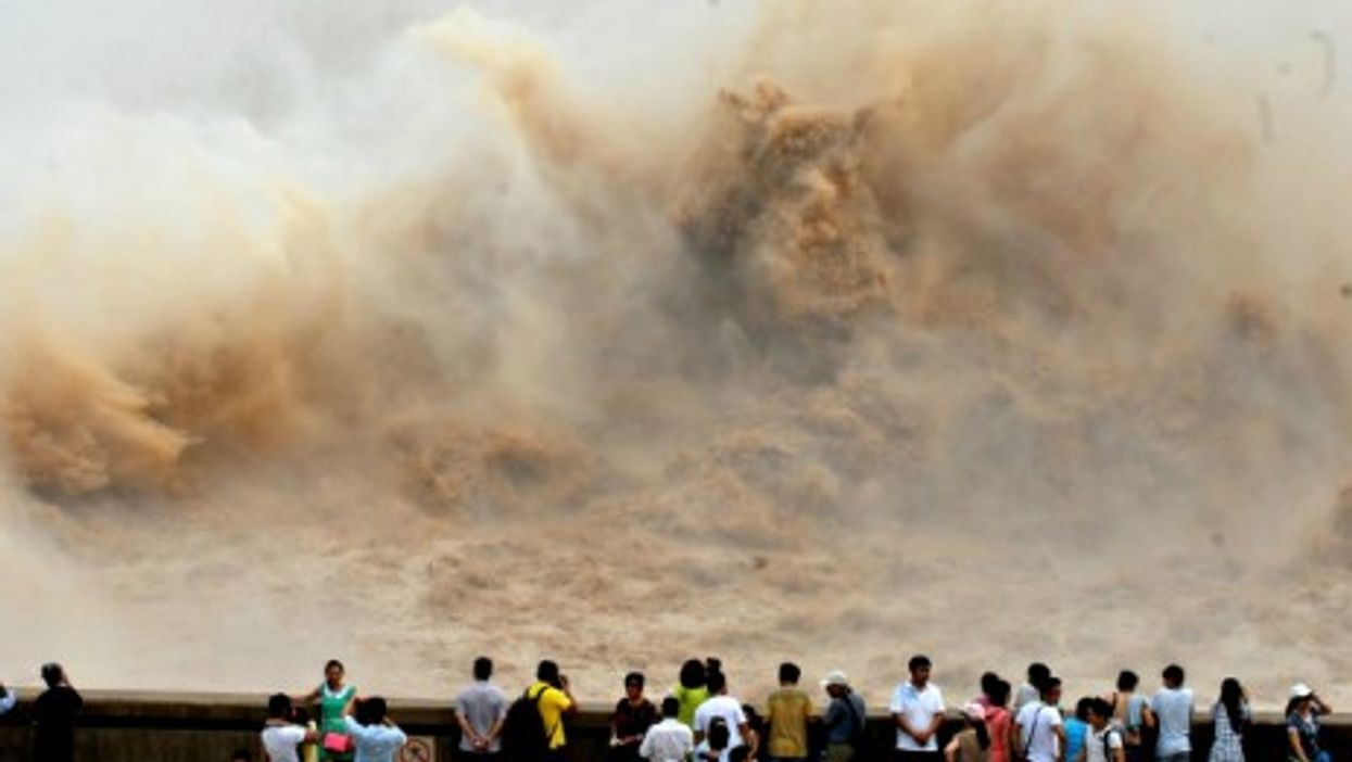 A bit of spring cleaning for the the Xiaolangdi Dam on the Yellow River in Jiyuan.