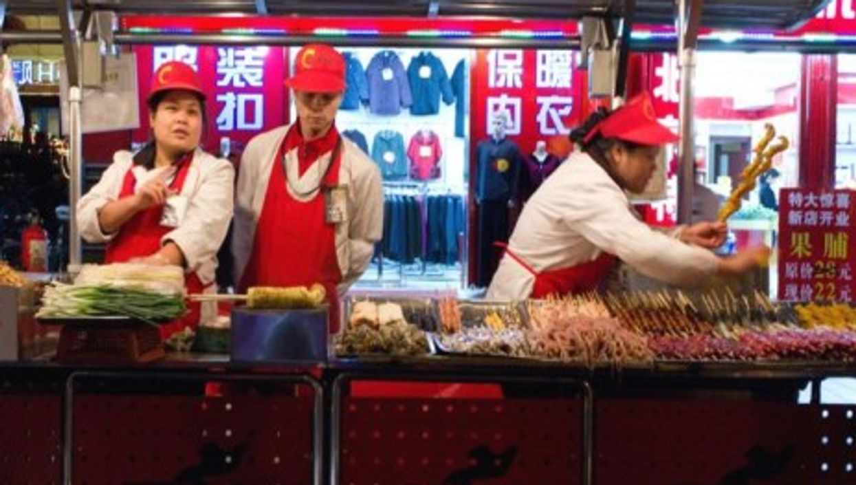 A food stand in Beijing (hmcharg)