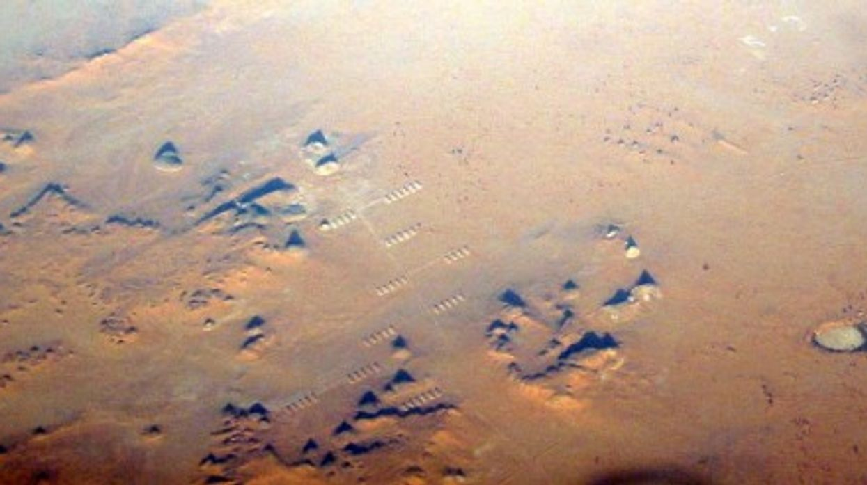 A Libyan military installation in the Sahara desert (futureatlas.com)
