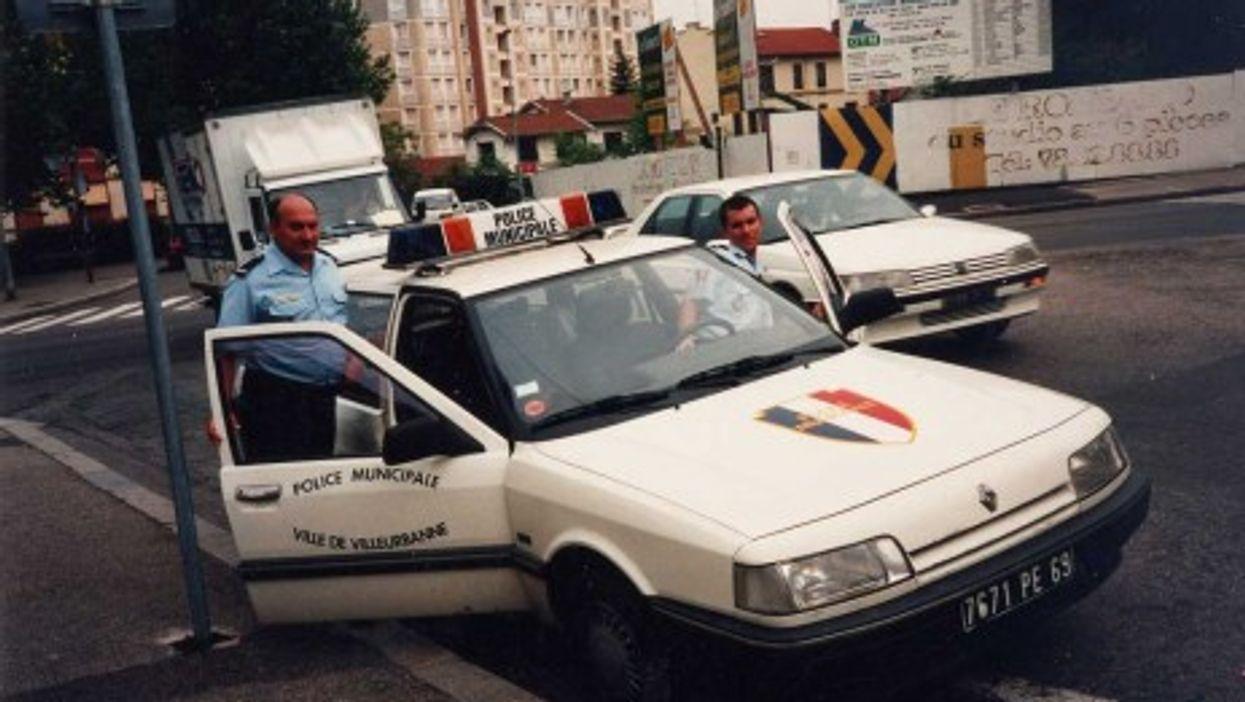 A municipal police team in a Lyon suburb (sammydavisdog)