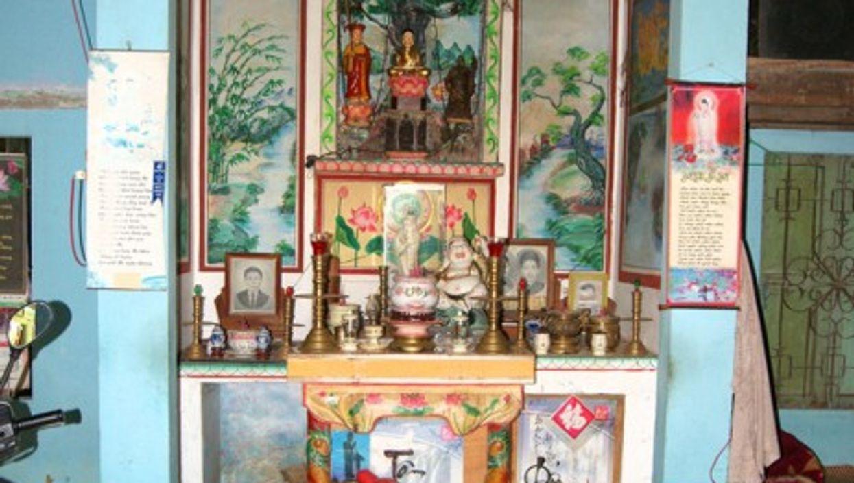 A shrine in Vietnam (Alex Valavanis)