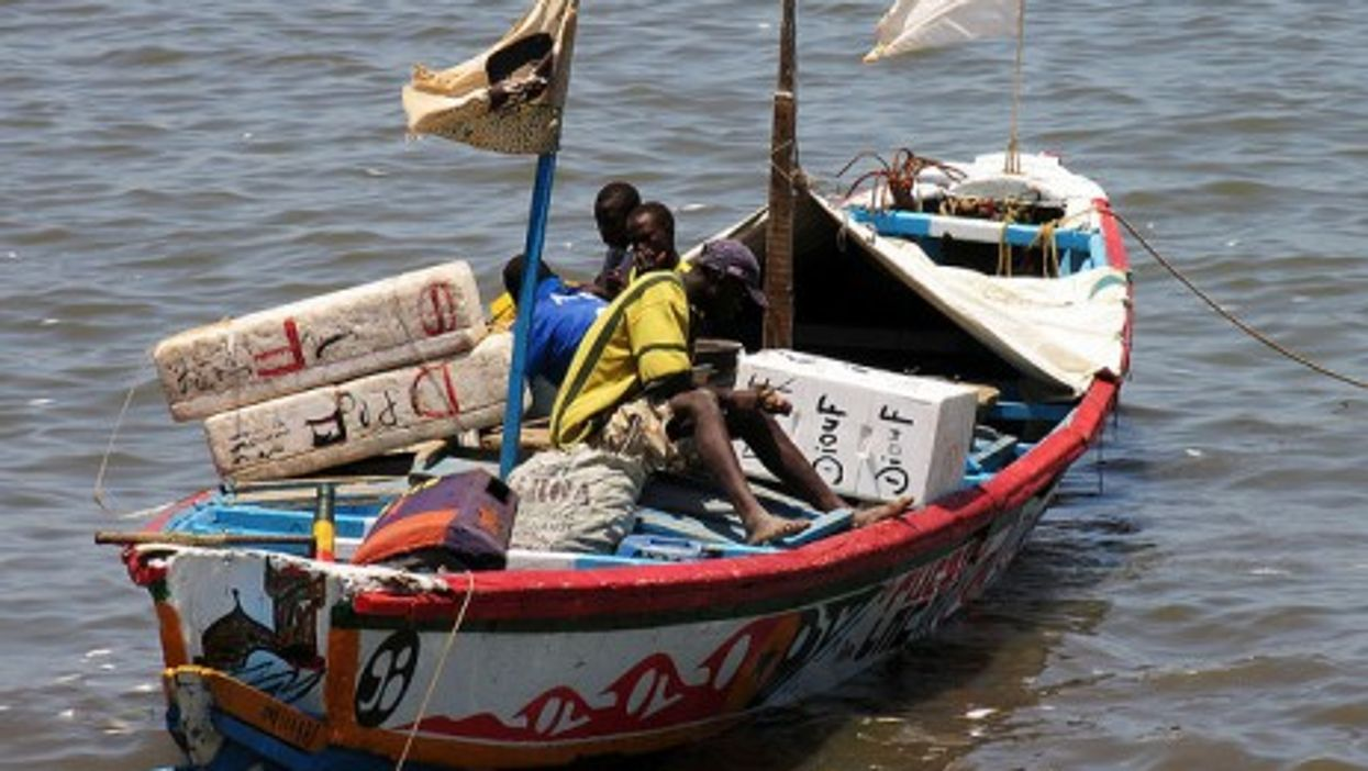 A traditional fishing boat in Mbour (slosada)