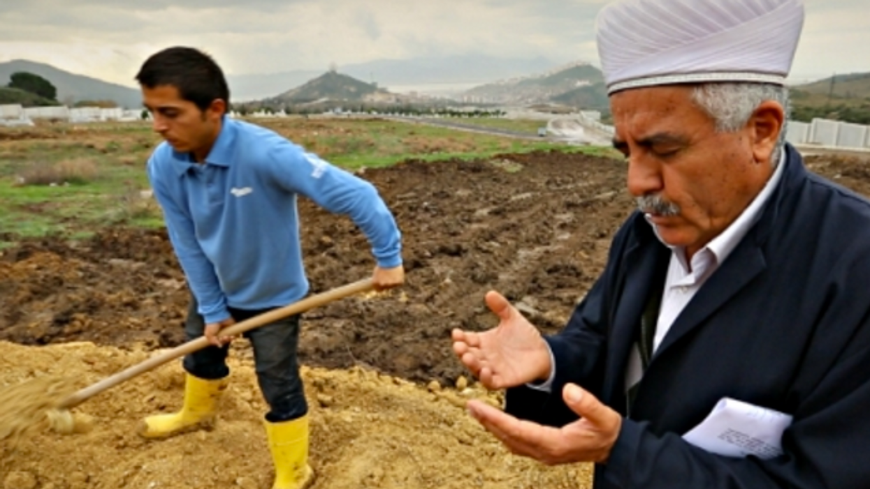 In Izmir, Burying The Migrants Who Died Along The Way