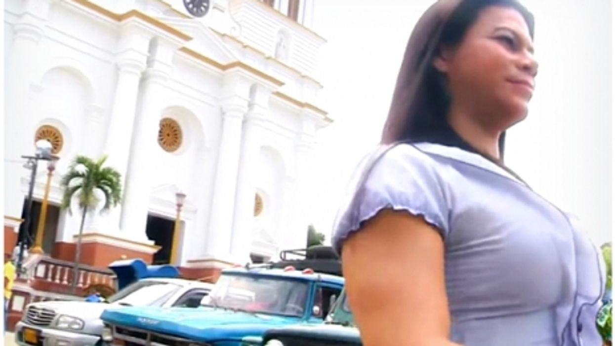 Alondra Metaute in front of the Sopetran town hall