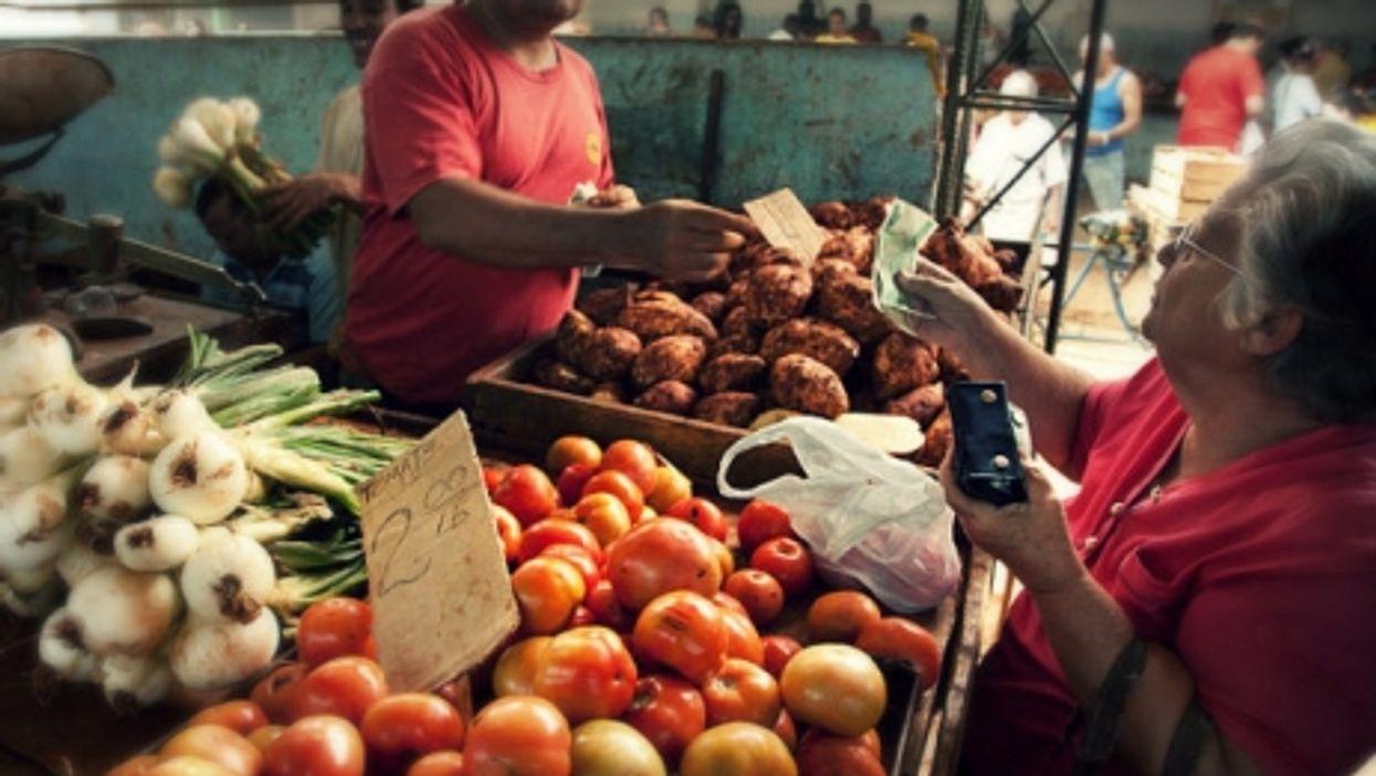 An agricola market in Havana.