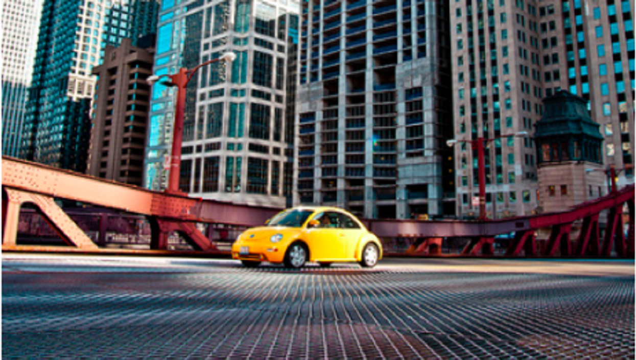 Another VW beetle on American roads and bridges (Legarth)