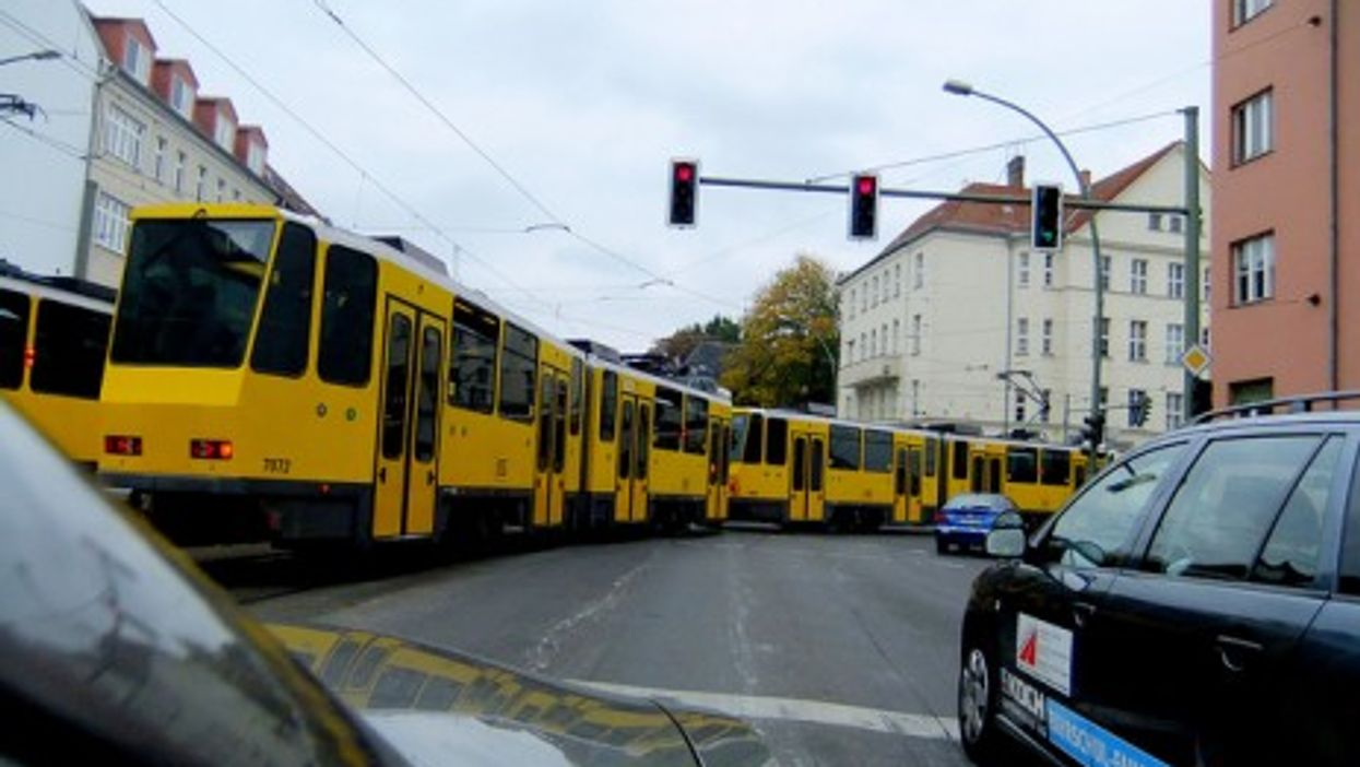 Berlin: where autos and public transport meet (Susa Tom)