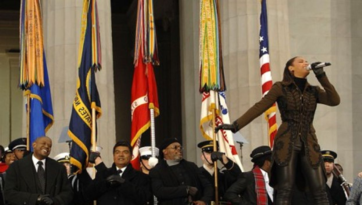 Beyoncé singing at the Lincoln Memorial during the 2009 presidential inauguration