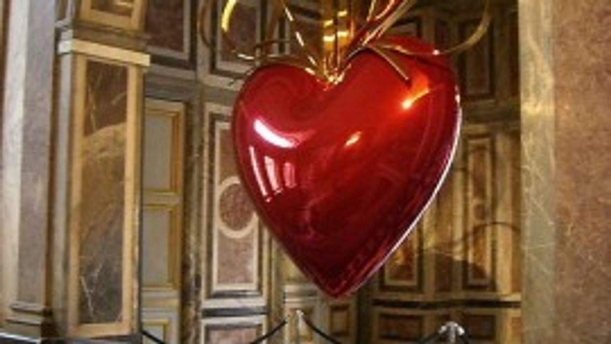 <--break->Koons' Hanging Heart features prominently in Venice exhibition