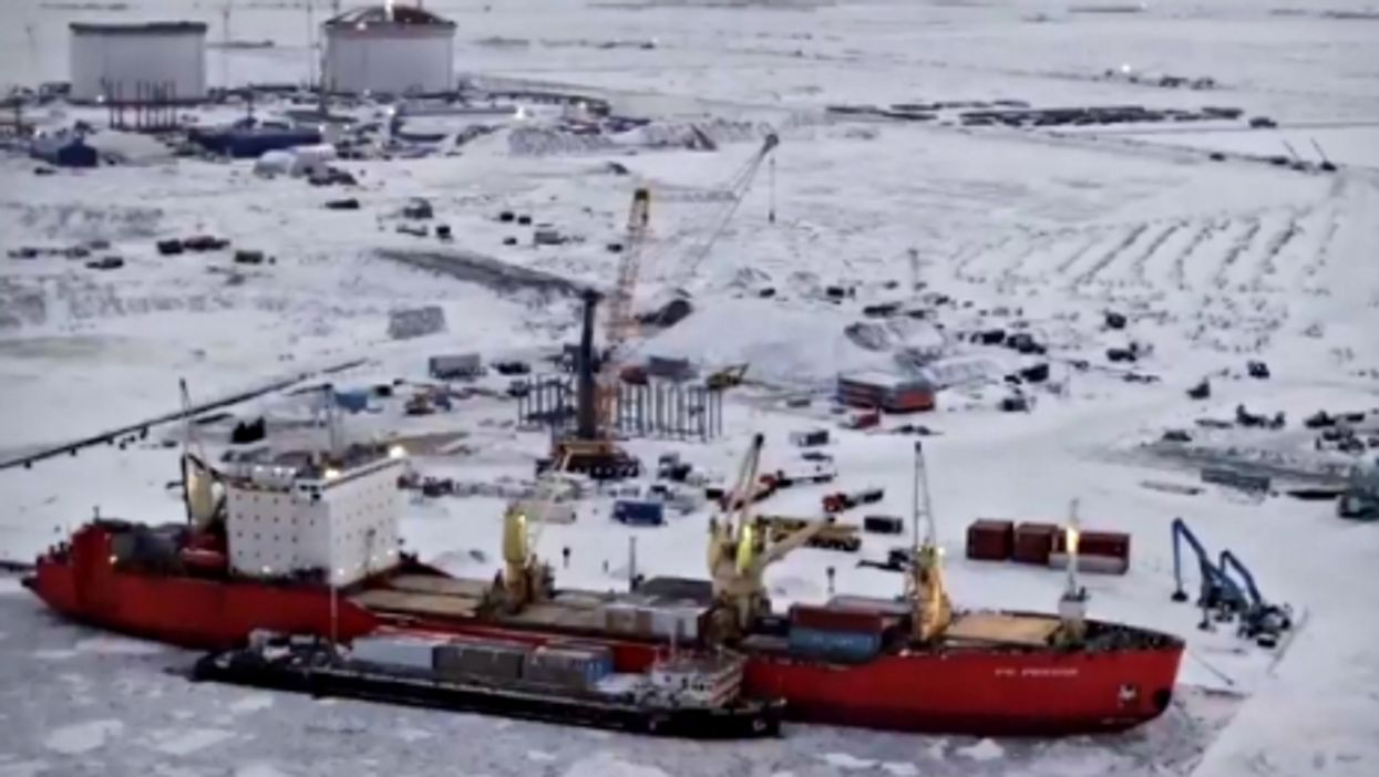 Building Yamal LNG