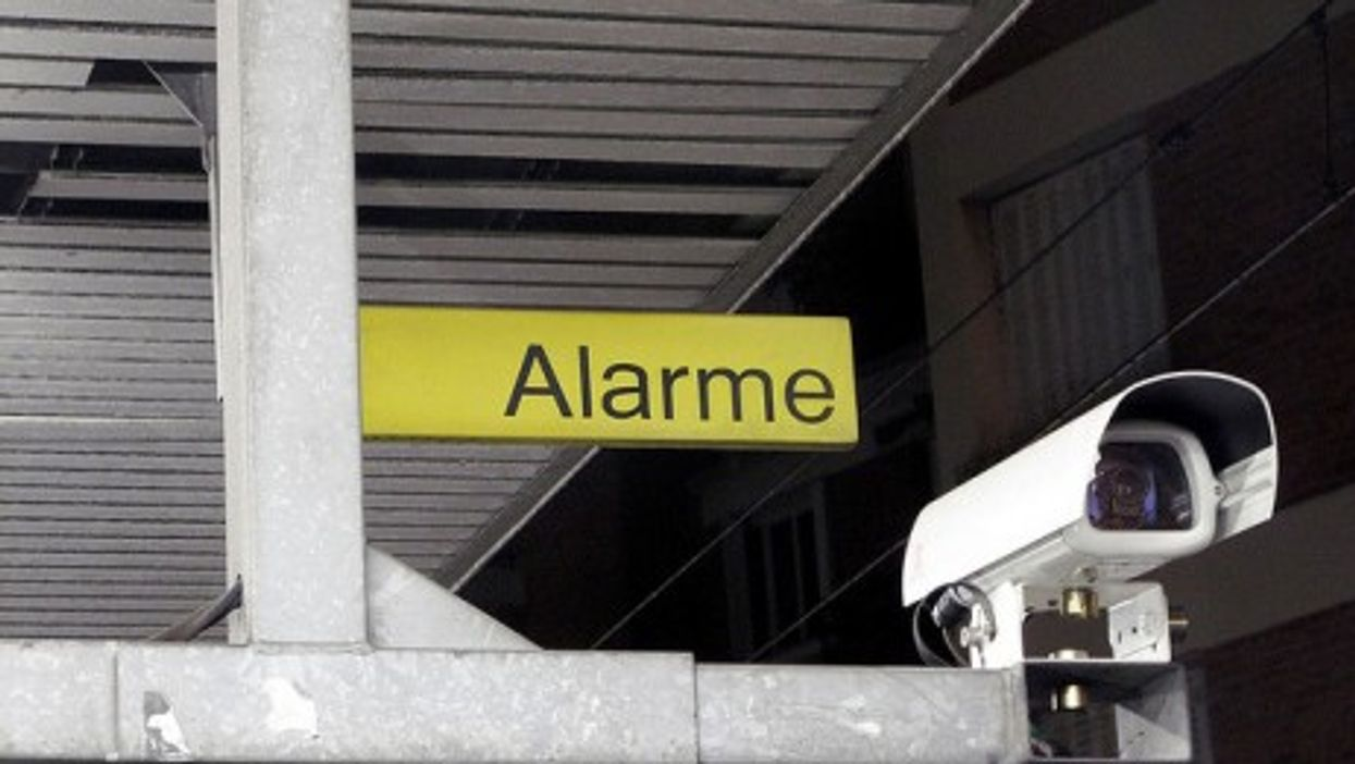 By June 2012, 1,455 CCTV cameras will keep an eye on the streets of Paris (ebrkut)