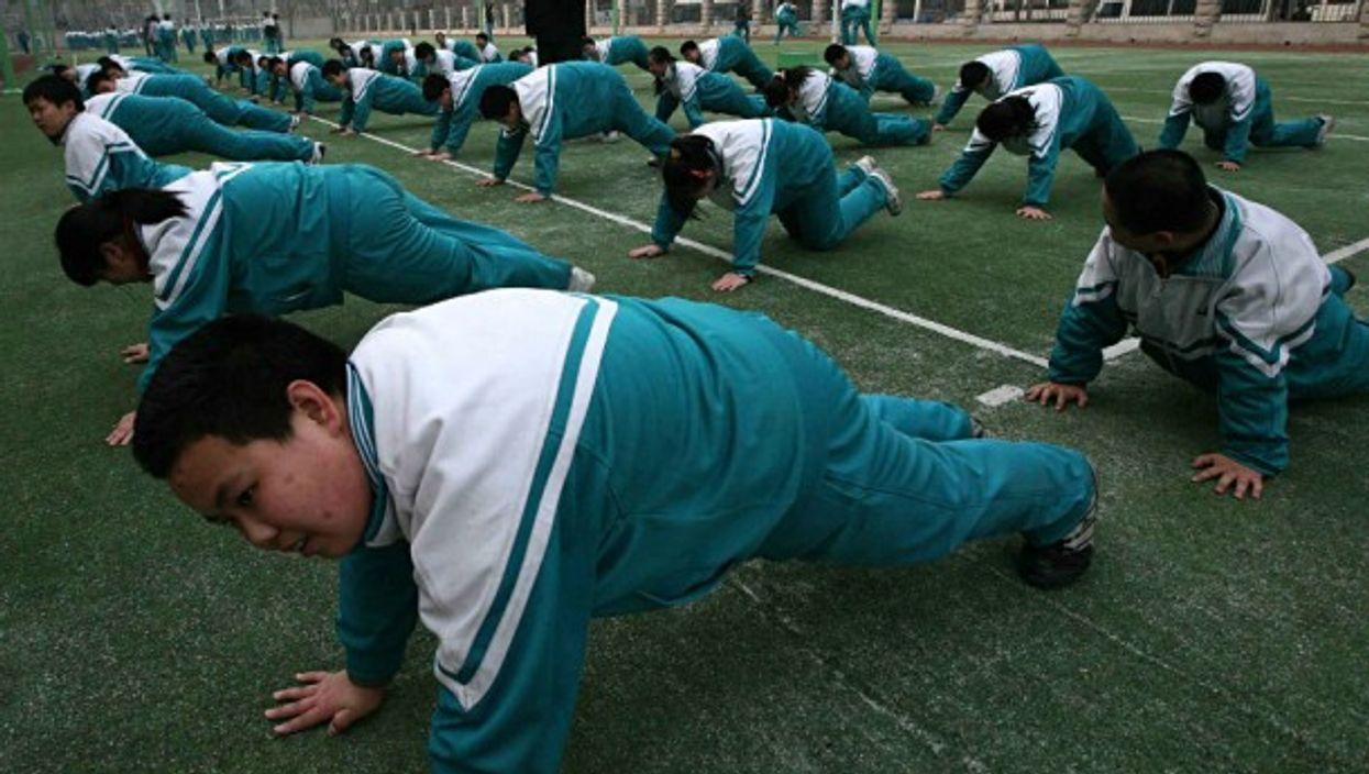 Children participating in weight loss exercice in Beijing