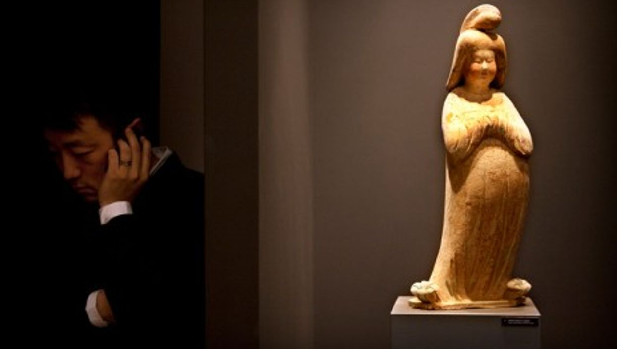 Chinese collectors' new love of Chinese Antiques (TEFAF)