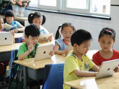 Chinese students are plugged in, but are they opened up?