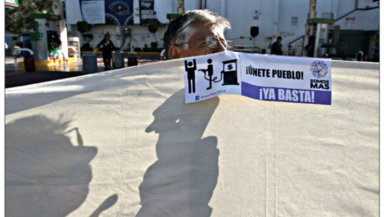 Consumer protests on Jan. 3 in Mexico City