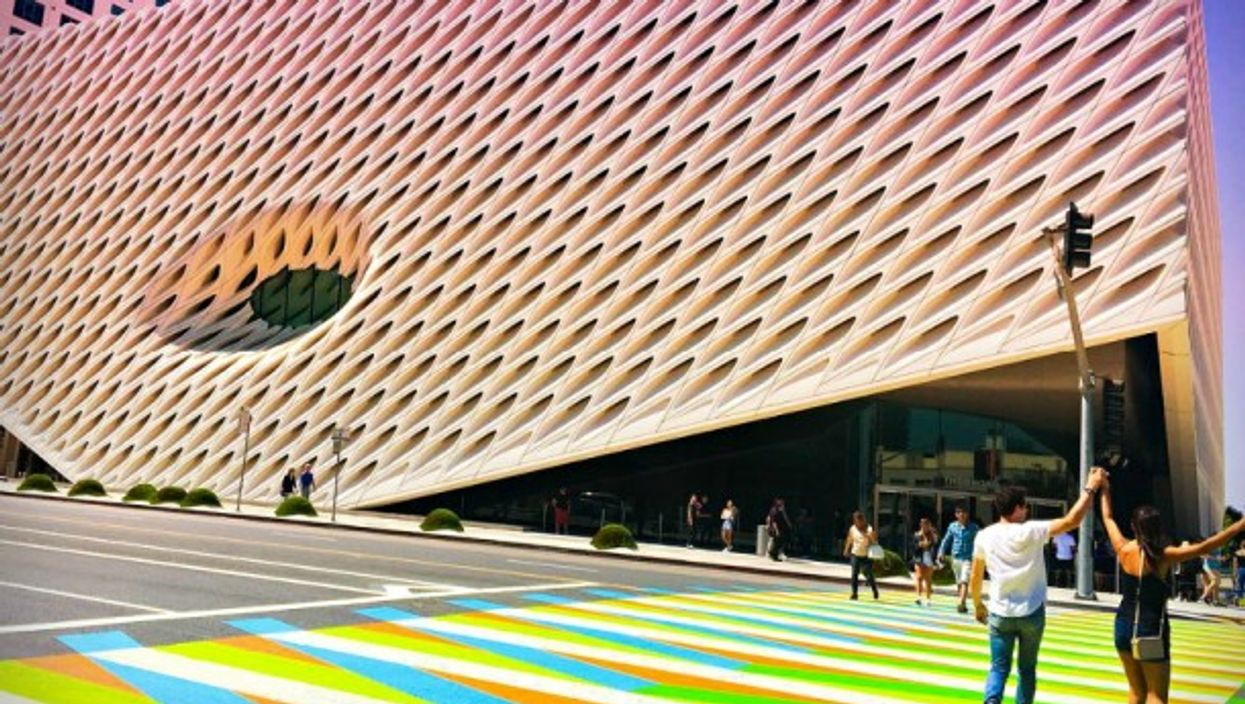 Crossroad in front of LA's Broad museum