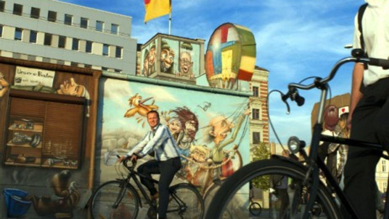 Cycling along the Spree in Berlin