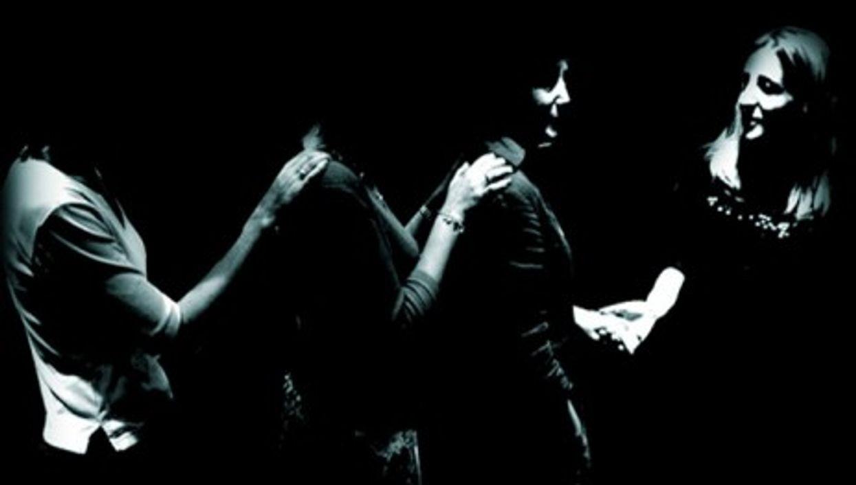 'Dans le Noir?' offers a pitch-black experience for the diners' senses