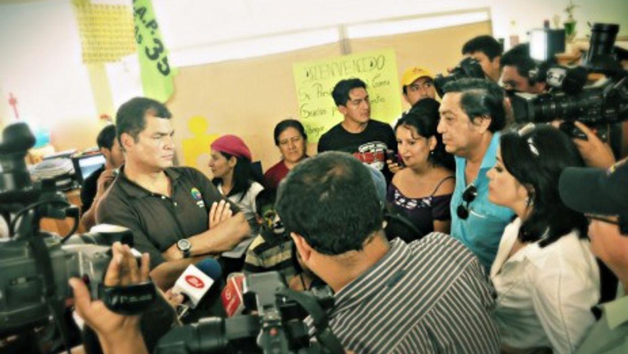 Ecuadorian President Rafael Correa facing journalists in 2012