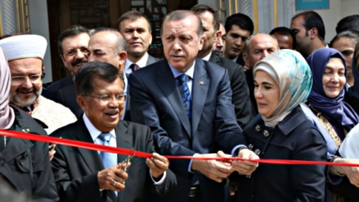 Erdogan inaugurates the new mosque in Maryland on April 2.