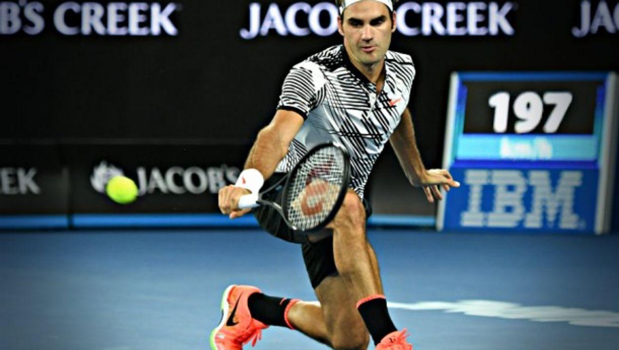 Federer parries in Melbourne
