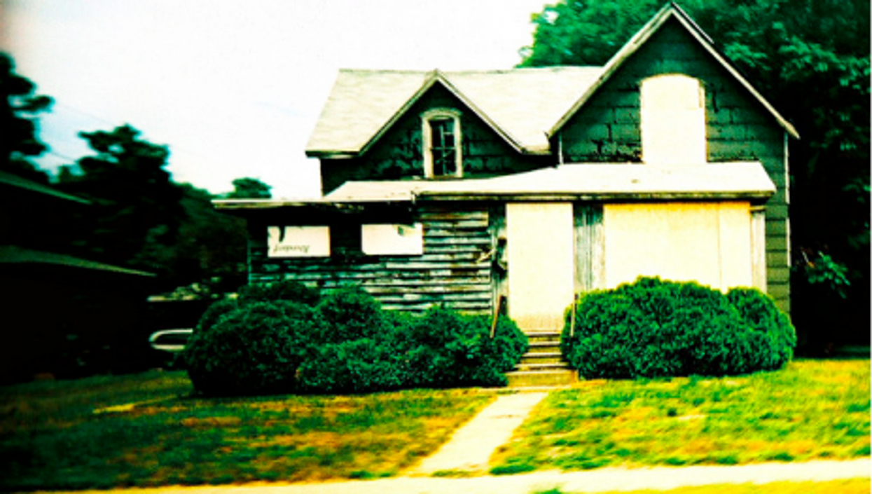 Foreclosing on the dream of a better life (Kevin Dooley)