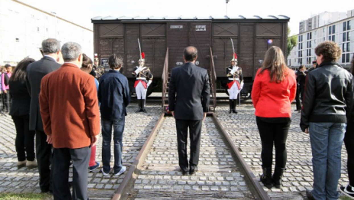 French President François Hollande (center) at the Drancy Memorial inauguration