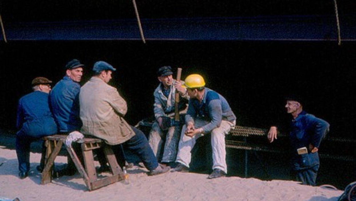 German dockworkers