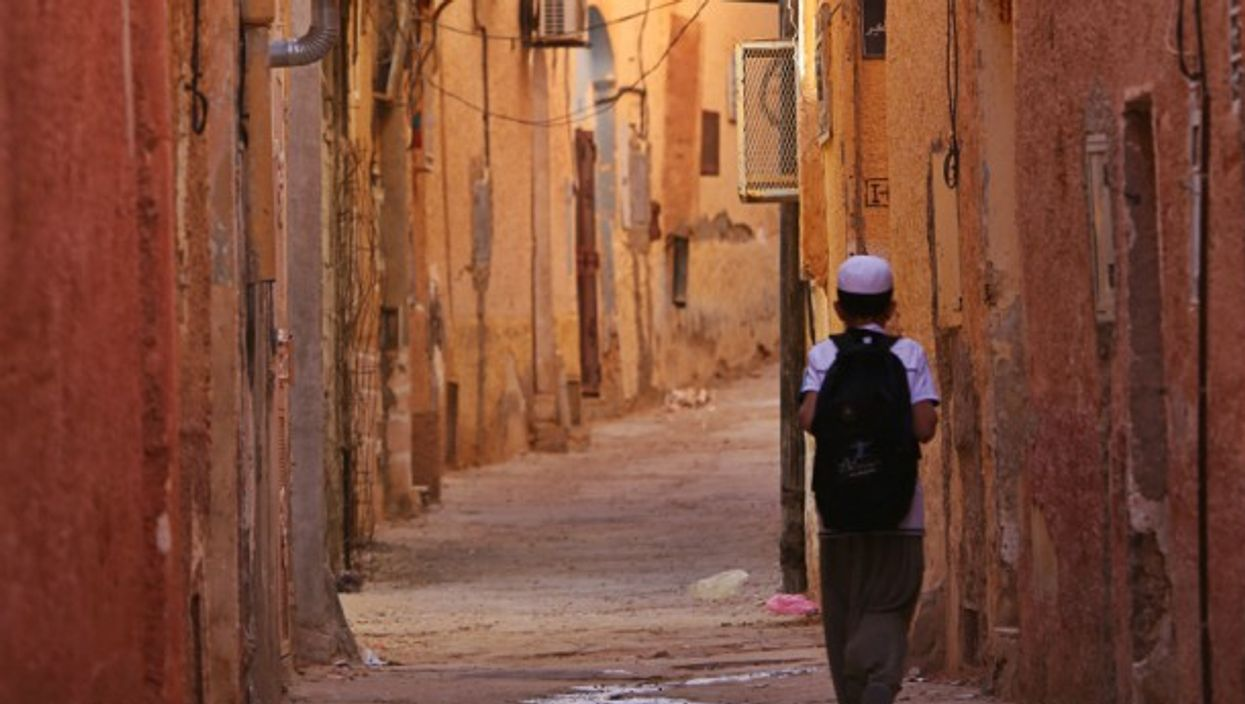 Going to school in Ghardaia, Algeria - Gigi Sorrentino