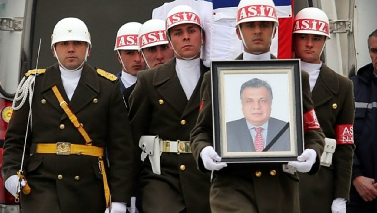 Hommage to Russian Ambassador Andrey Karlov, in Moscow