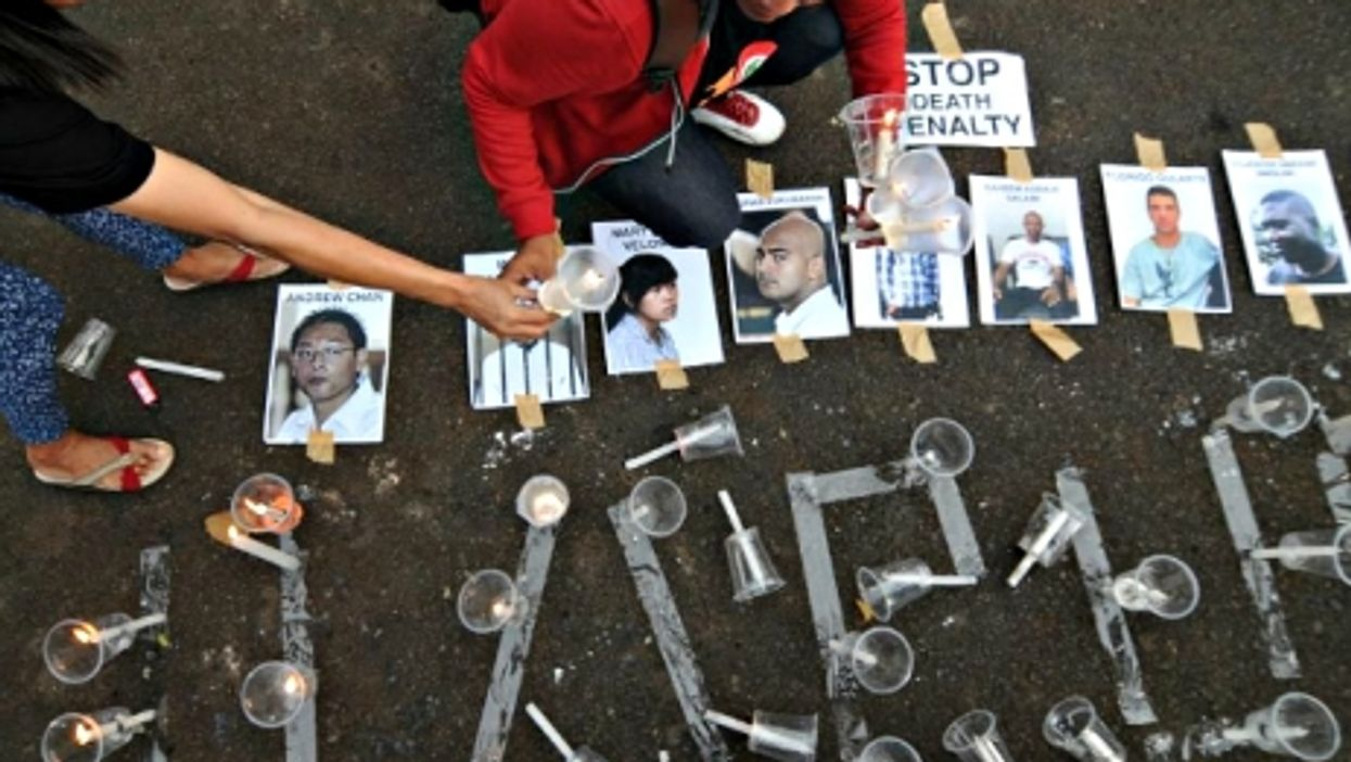 Indonesia Executions, Nigerian Hostages Rescued, Tanking Twitter