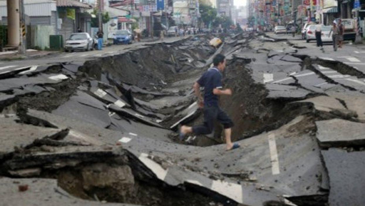 Snapshots: Taiwan Blast, Perth Subway, More