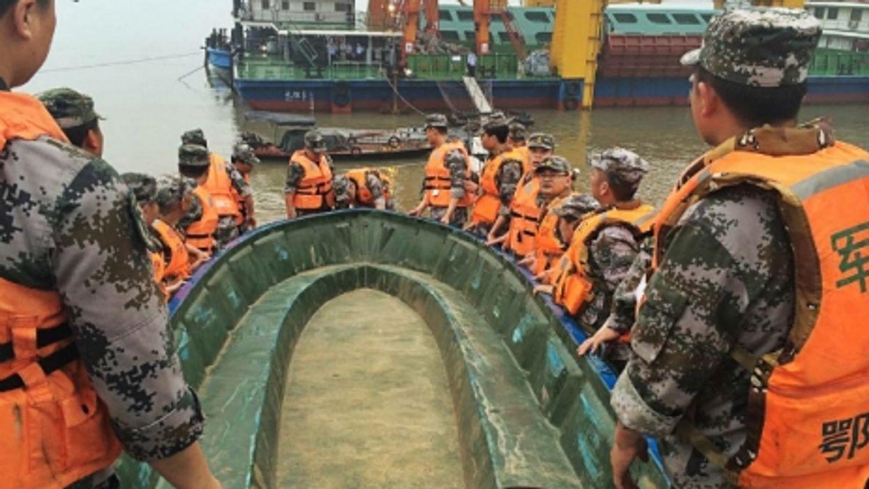 Shipwreck Toll Climbs, Greece Won't Pay, NASA's Flying Saucer