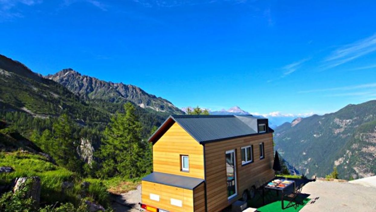 'Tiny Chalet' Wonder, For An Ecological Swiss Ski Vacation