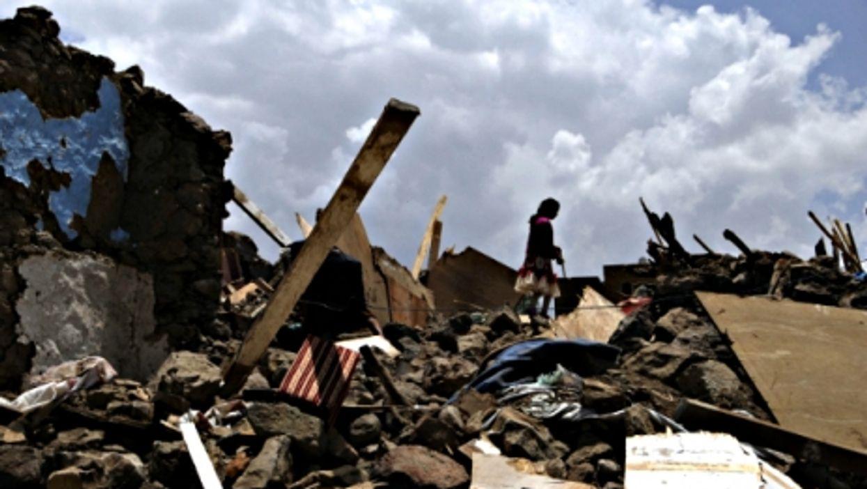 New Nepal Quake, Francois And Fidel, Jetpack Daredevils