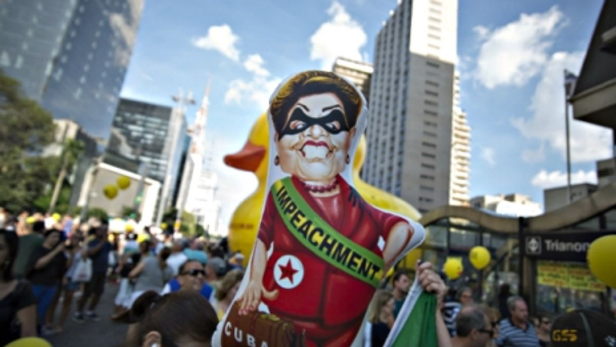 Panama's Chinese Connection, Dilma's Bad Day, Internet Turns 47