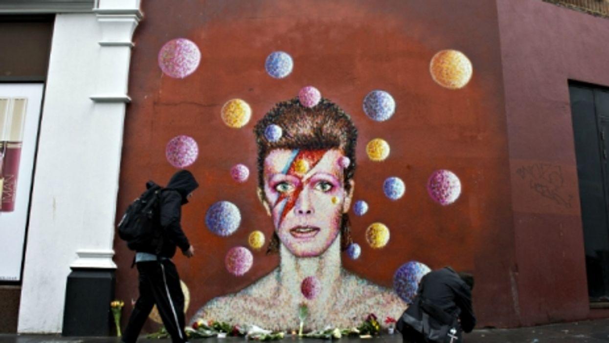 Starving Syria, David Bowie Dies, Extraditing El Chapo