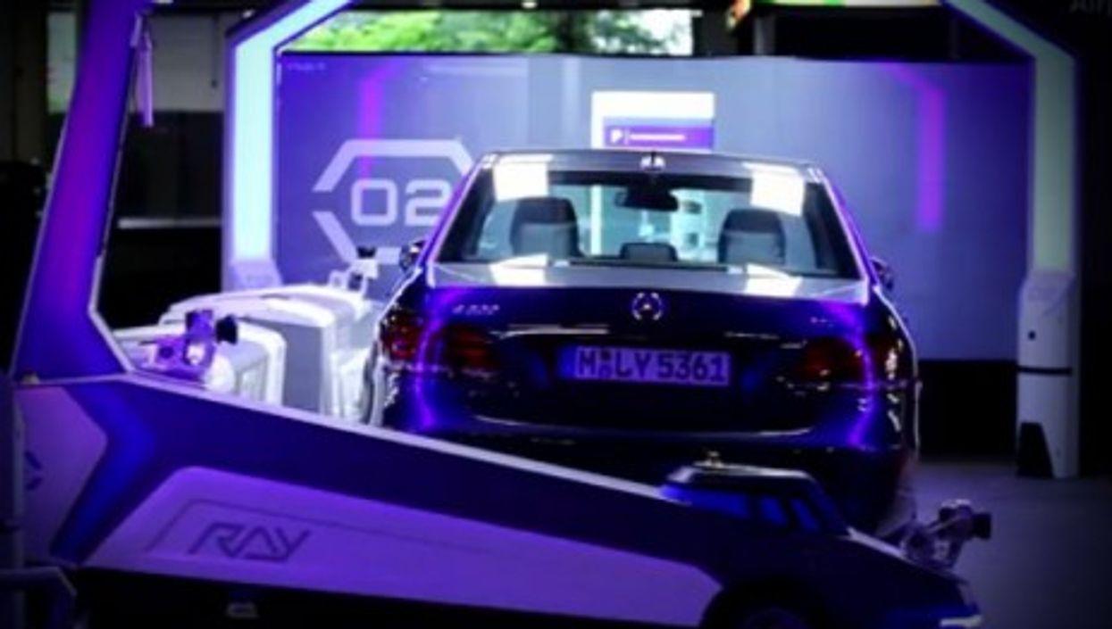 Robots Park Your Car At Dusseldorf Airport
