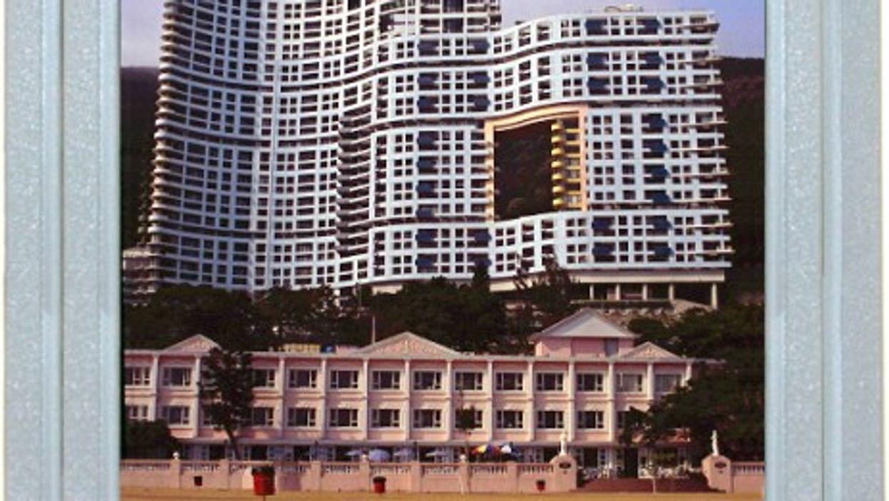 Hong Kong Hotel, Dragons Welcome