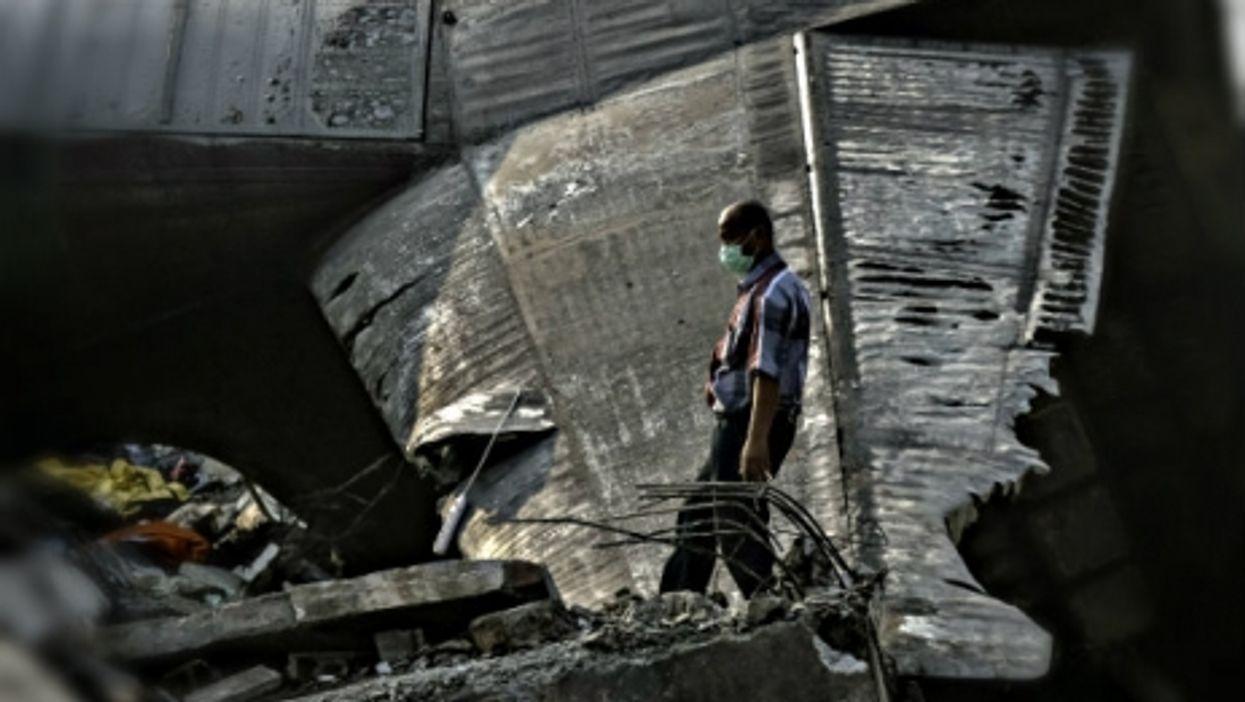 Tsipras Blinks?, Sinai Attacks, US-Cuba