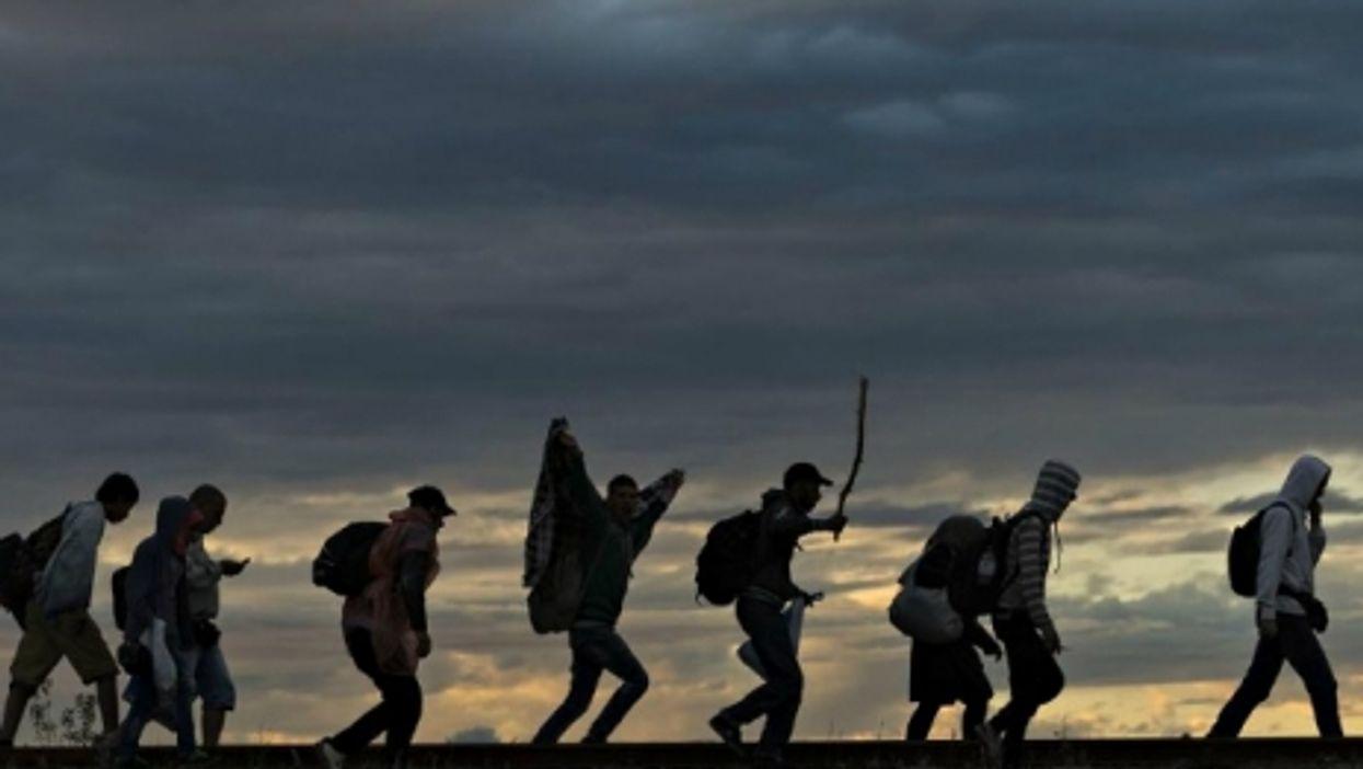 Europe's Refugee Crisis, Palin's Gaffe, Super Stonehenge