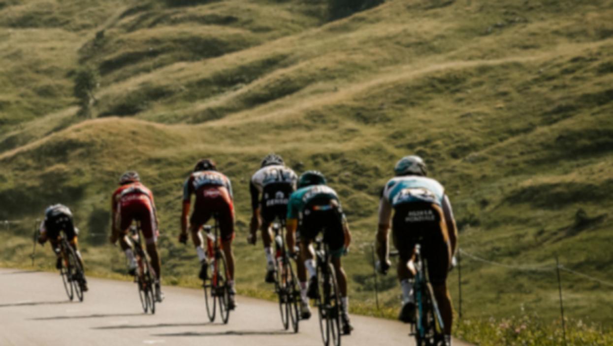 Watch: OneShot— Vive Le Tour De France