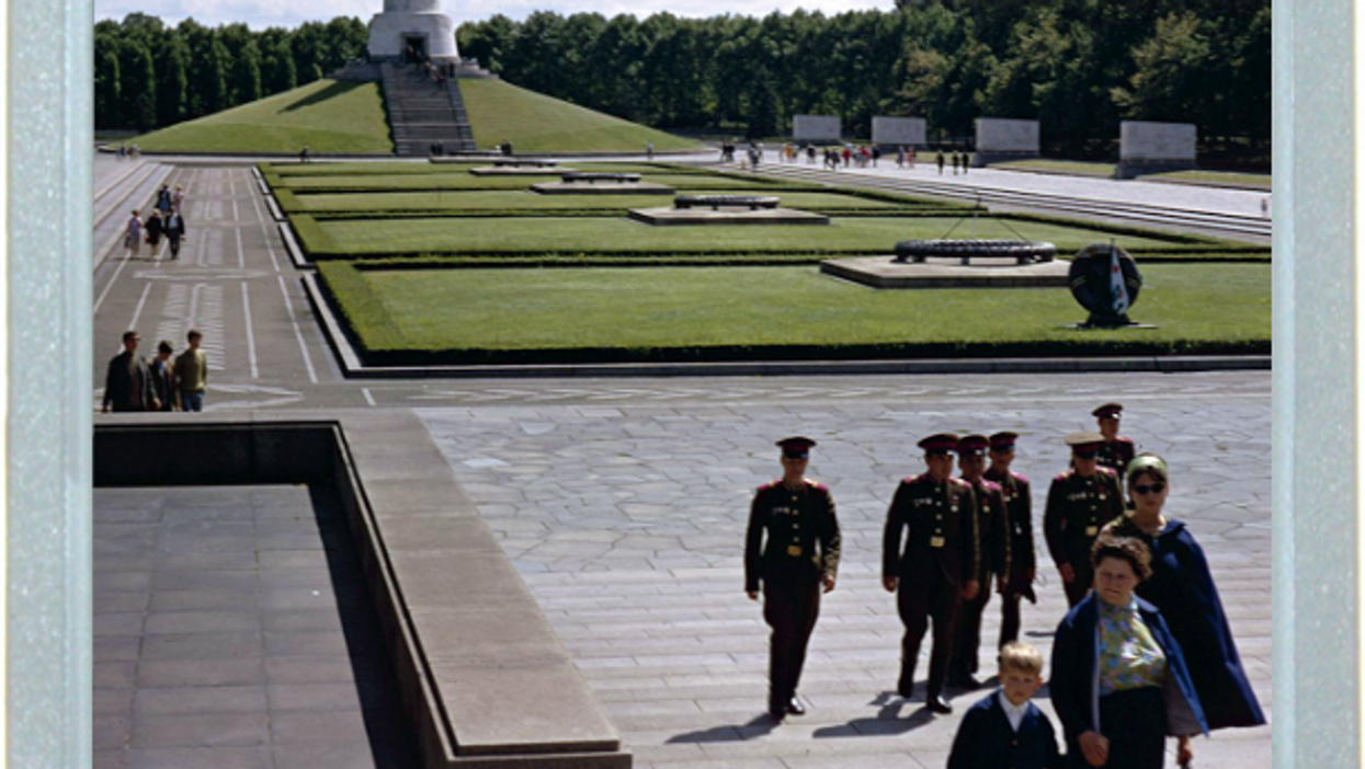 Soviets Soldiers, Past And Present