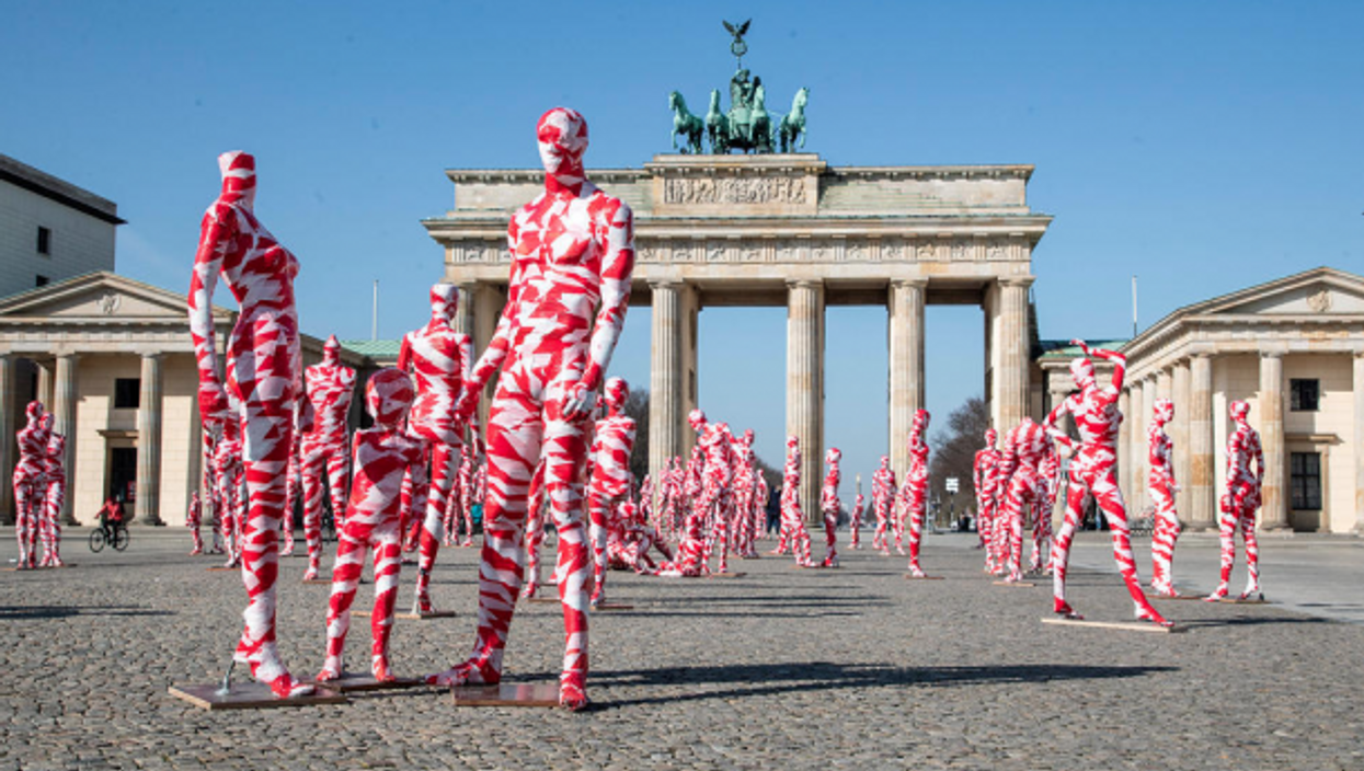 Installation by Dennis Josef Meseg in Berlin, meant to protest lockdown measures.