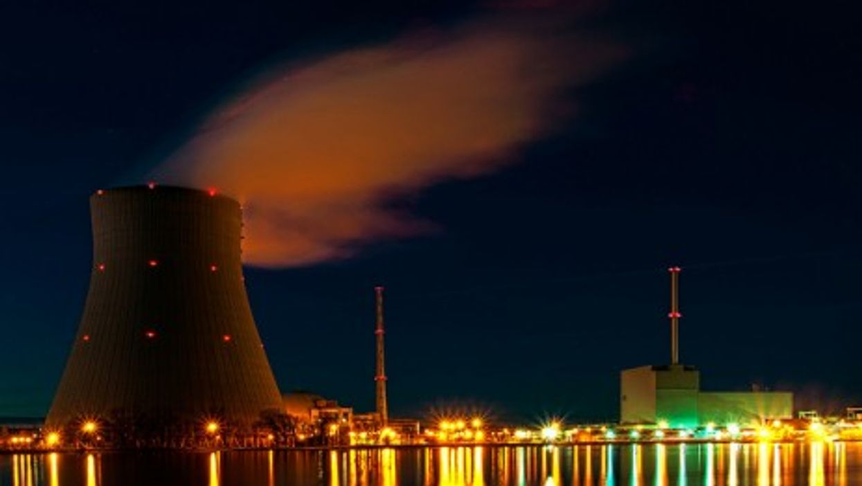 Isar nuclear plant Unterahrain, Germany (bagalute)