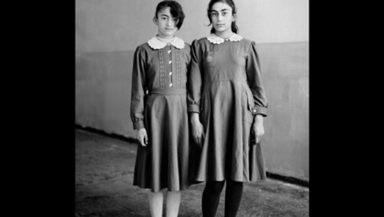 Kurdish school girls (daweiding)