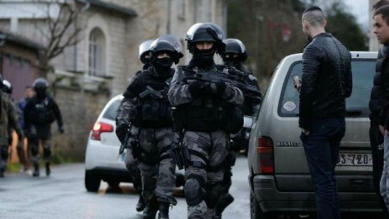 Manhunt underway near Paris as police zero in on Charlie Hedbo shooting suspects.