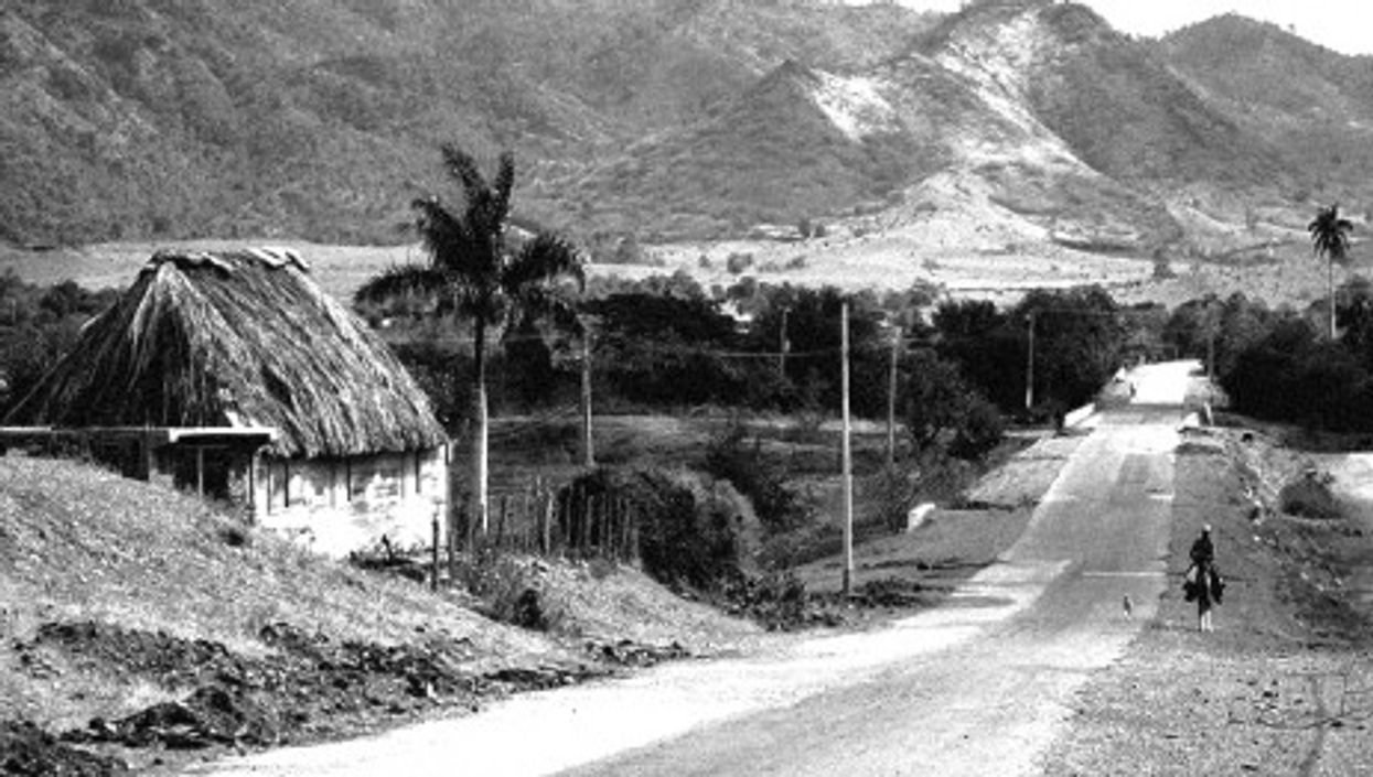 Marea del Portillo, Cuba, with foothills of the Sierra Maestra in the background (Martin Cathrae)