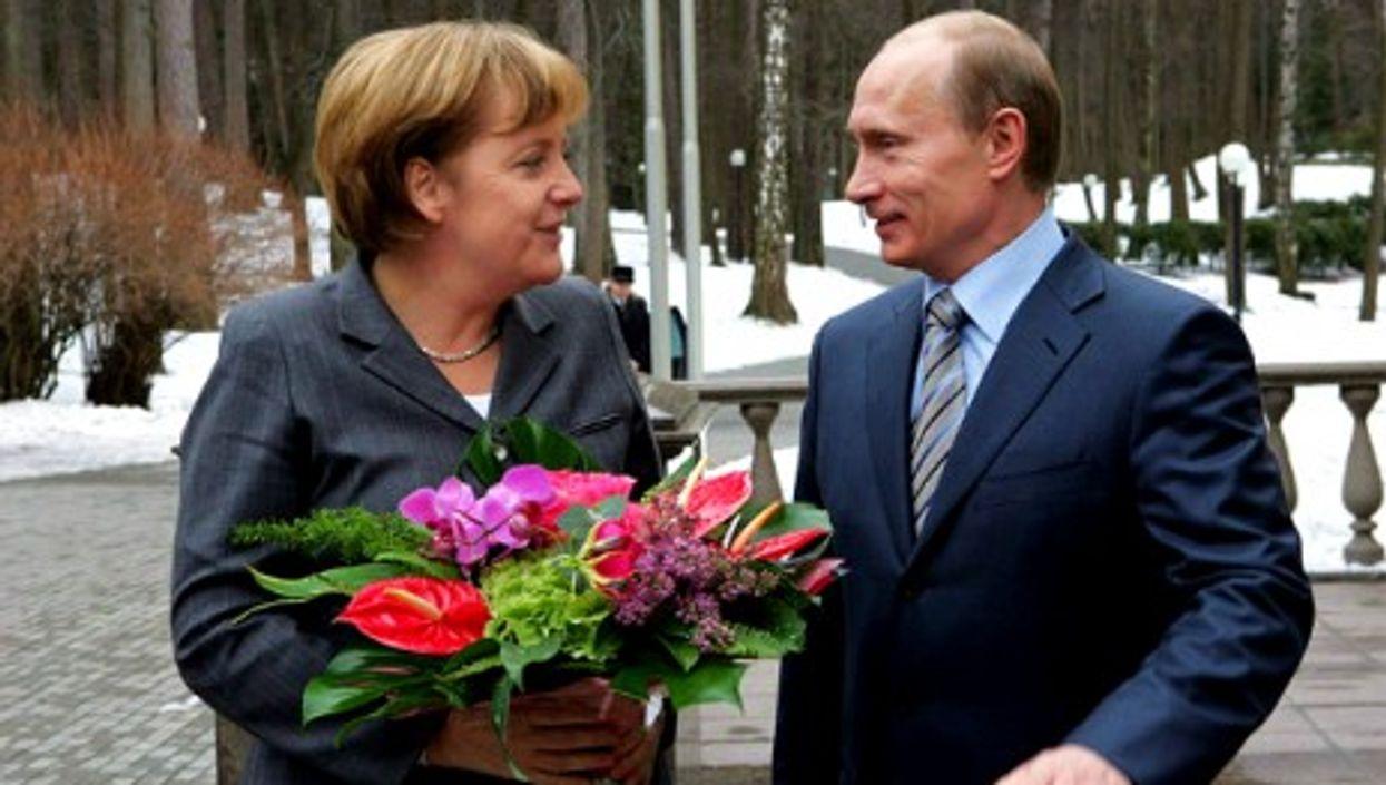 Merkel and Putin meeting in Novo Ogaryovo, near Moscow, on March 8, 2008